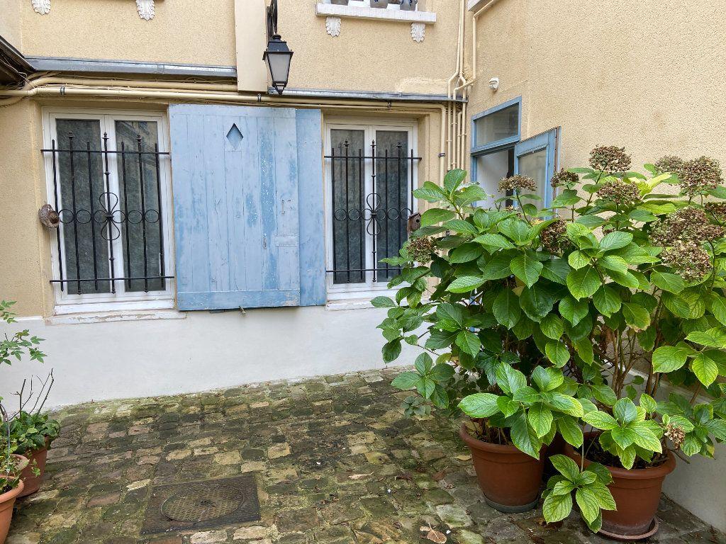 Appartement à vendre 3 50.63m2 à Saint-Germain-en-Laye vignette-5