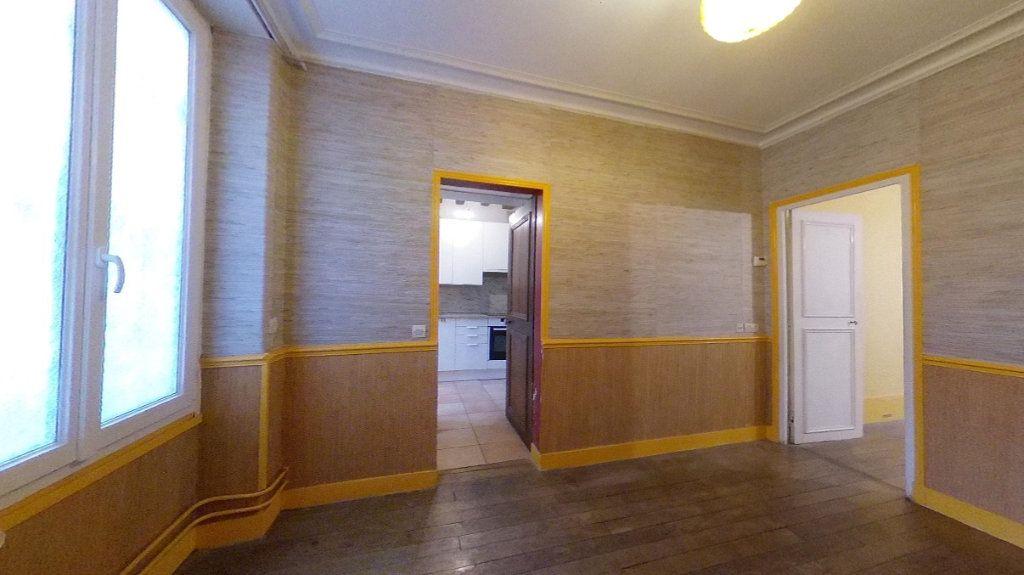 Appartement à vendre 3 50.63m2 à Saint-Germain-en-Laye vignette-7