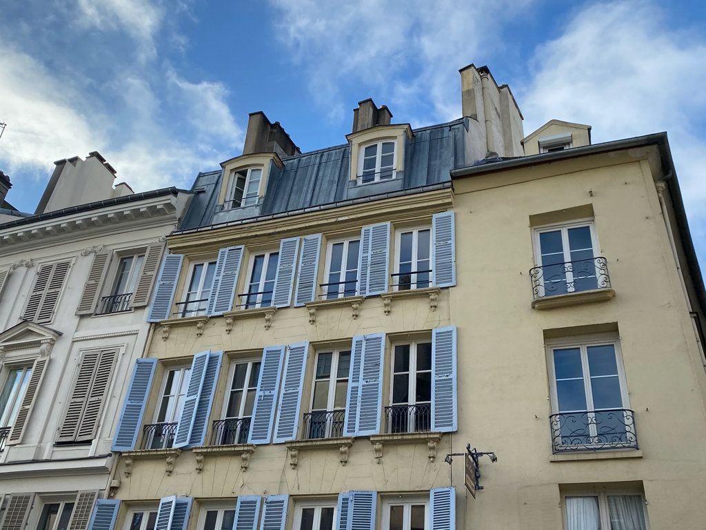 Appartement à vendre 4 66.95m2 à Saint-Germain-en-Laye vignette-1