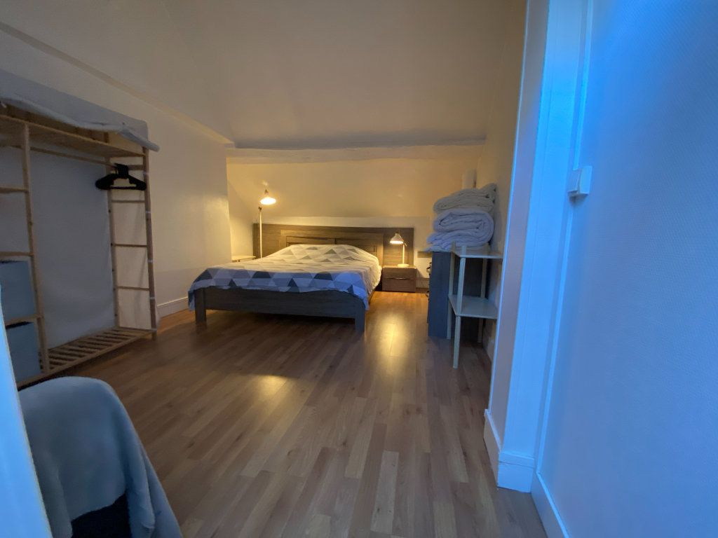Appartement à louer 2 36m2 à Saint-Germain-en-Laye vignette-3