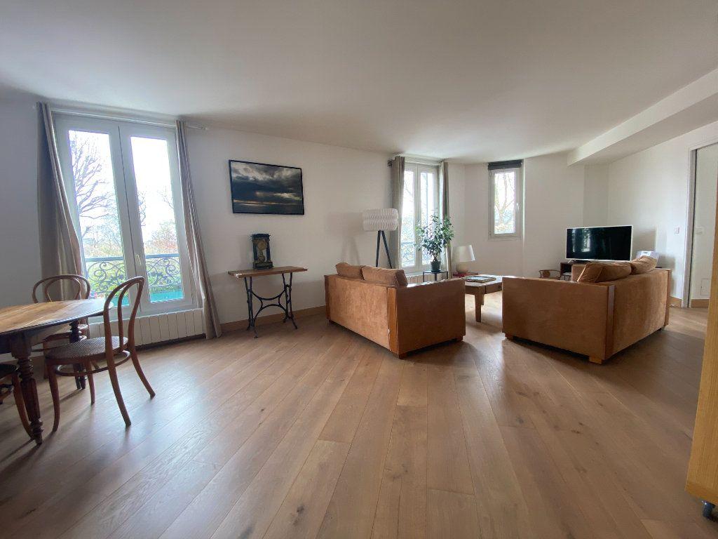 Appartement à vendre 5 100m2 à Saint-Germain-en-Laye vignette-1