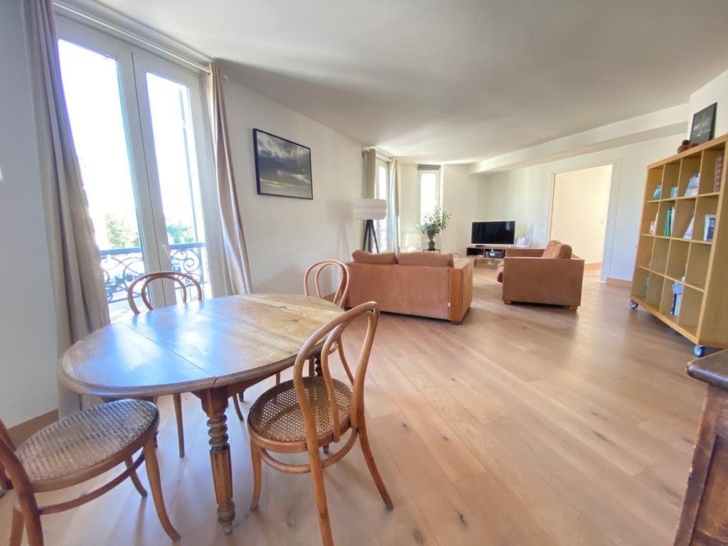 Appartement à vendre 5 100m2 à Saint-Germain-en-Laye vignette-2