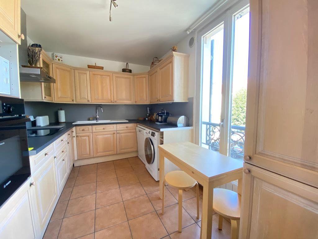 Appartement à vendre 5 100m2 à Saint-Germain-en-Laye vignette-3
