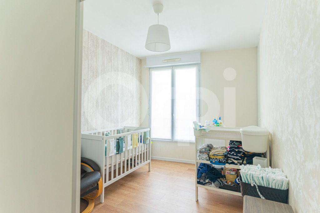 Appartement à vendre 2 40m2 à Cergy vignette-4