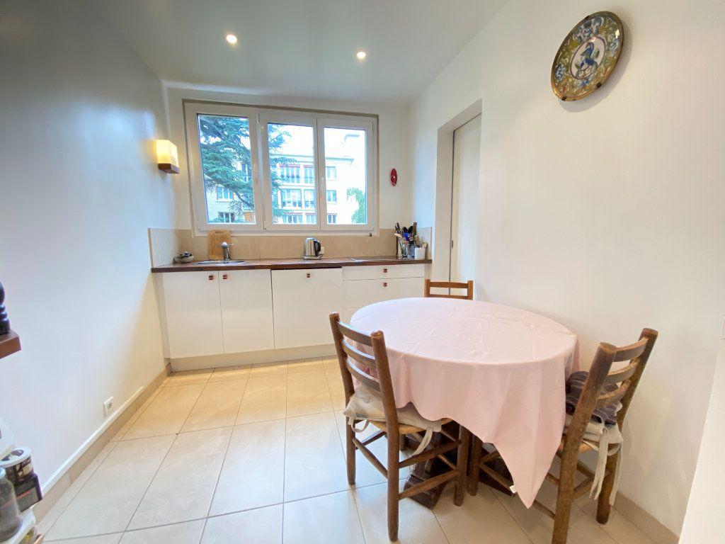 Appartement à vendre 4 89.12m2 à Saint-Germain-en-Laye vignette-3