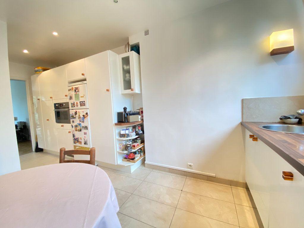 Appartement à vendre 4 89.12m2 à Saint-Germain-en-Laye vignette-4