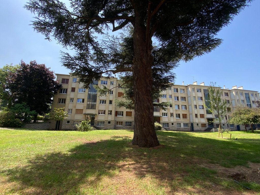 Appartement à vendre 4 89.12m2 à Saint-Germain-en-Laye vignette-9