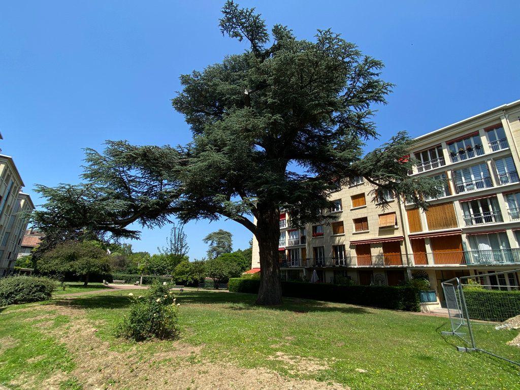 Appartement à vendre 4 89.12m2 à Saint-Germain-en-Laye vignette-12