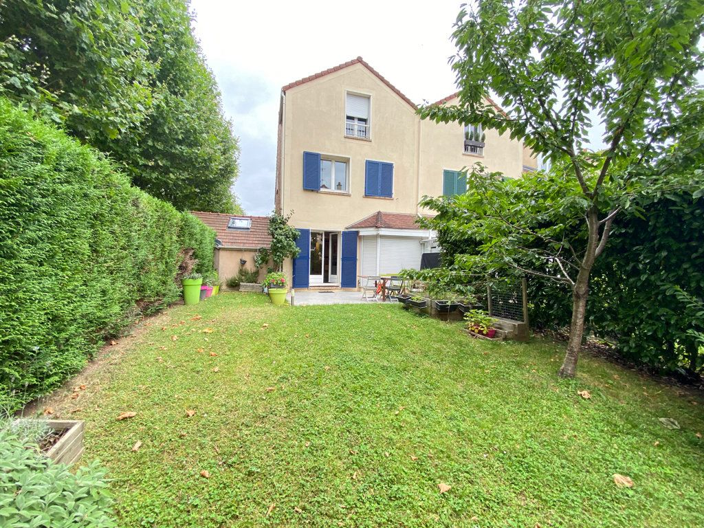 Maison à louer 6 160m2 à Saint-Germain-en-Laye vignette-2