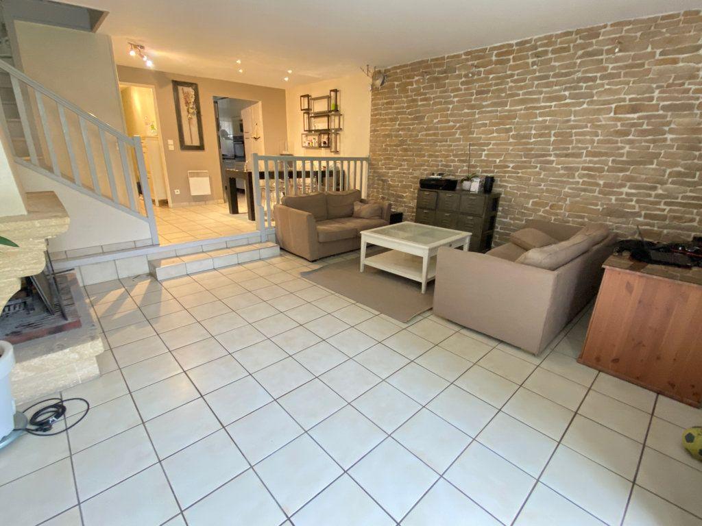 Maison à louer 6 160m2 à Saint-Germain-en-Laye vignette-5