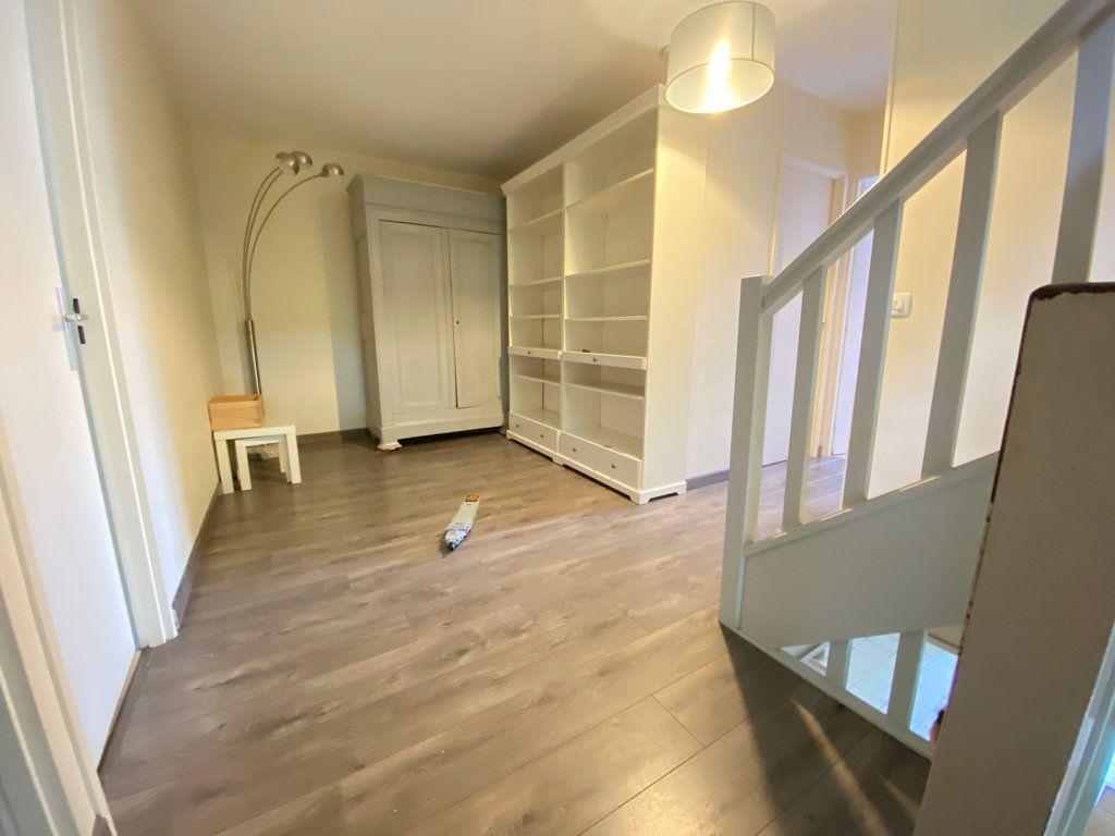 Maison à louer 6 160m2 à Saint-Germain-en-Laye vignette-8