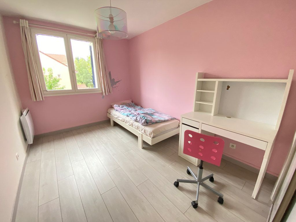 Maison à louer 6 160m2 à Saint-Germain-en-Laye vignette-9