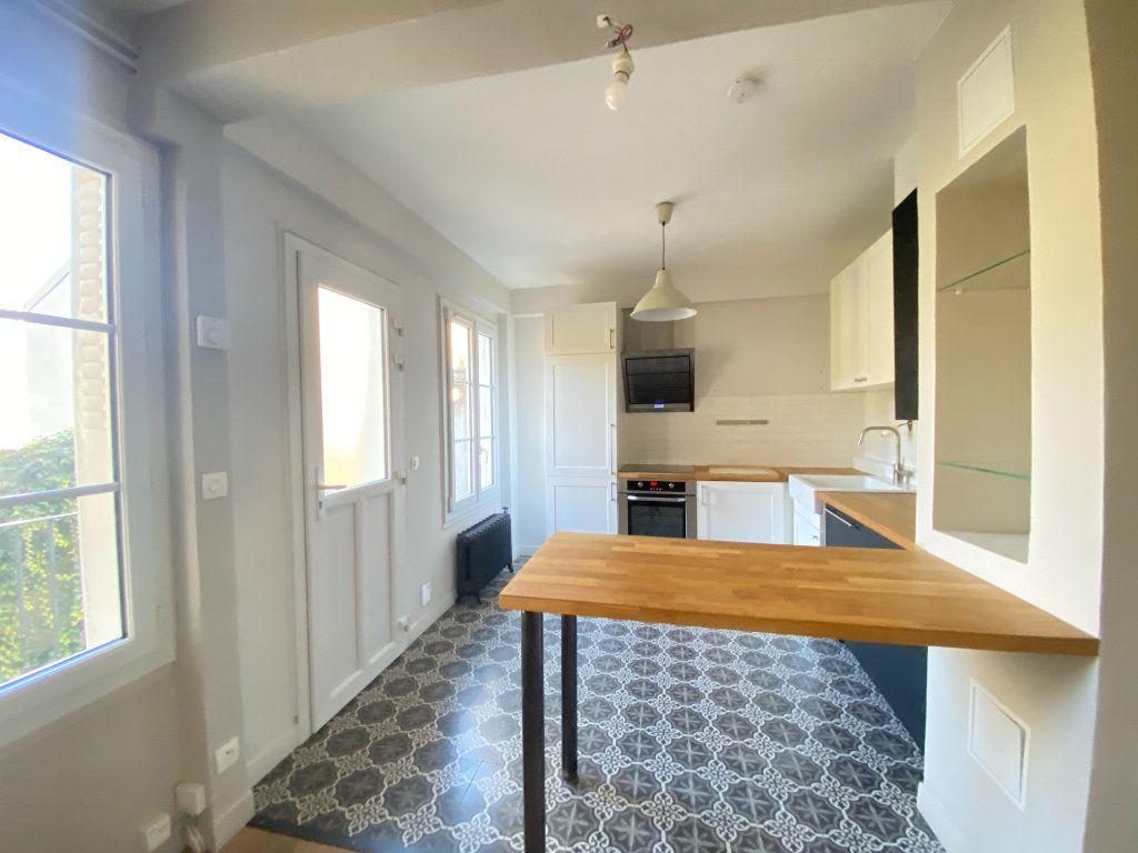 Appartement à louer 2 37.31m2 à Saint-Germain-en-Laye vignette-5