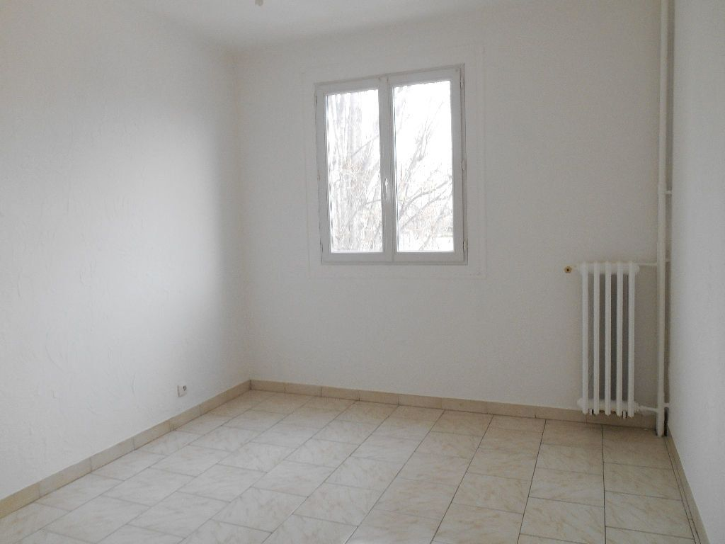 Appartement à louer 3 64m2 à Cannes vignette-4
