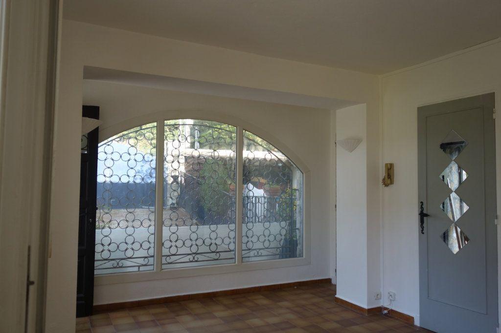 Appartement à louer 2 47m2 à Cannes vignette-1