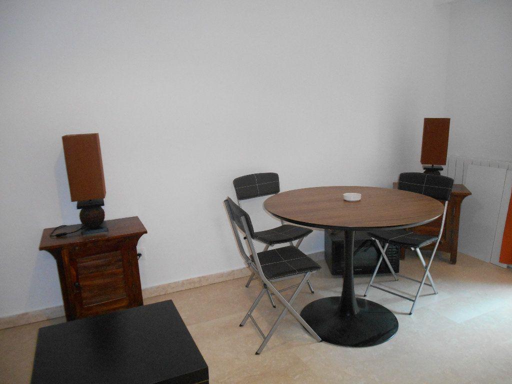 Appartement à louer 1 32m2 à Le Cannet vignette-8