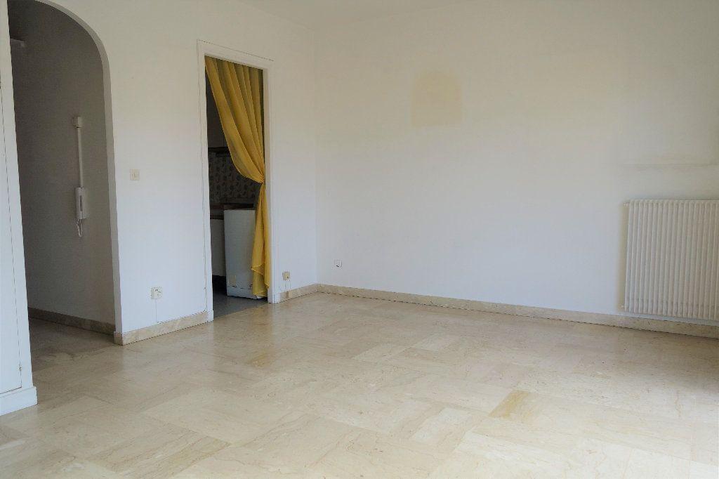 Appartement à vendre 1 27.3m2 à Cannes vignette-6