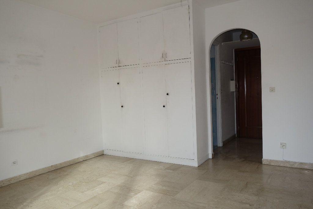 Appartement à vendre 1 27.3m2 à Cannes vignette-10