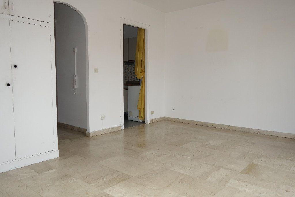 Appartement à vendre 1 27.3m2 à Cannes vignette-13