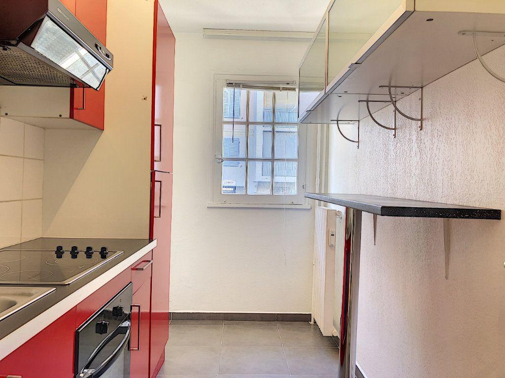 Appartement à louer 2 43.31m2 à Vallauris vignette-2