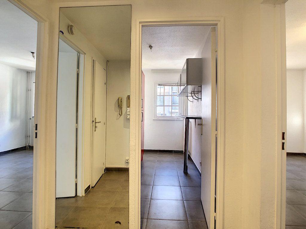 Appartement à louer 2 43.31m2 à Vallauris vignette-7