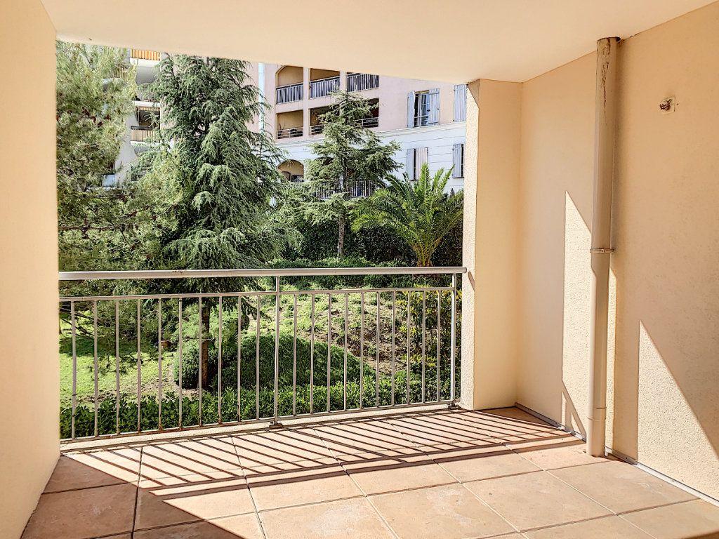 Appartement à vendre 3 69.63m2 à Vallauris vignette-2