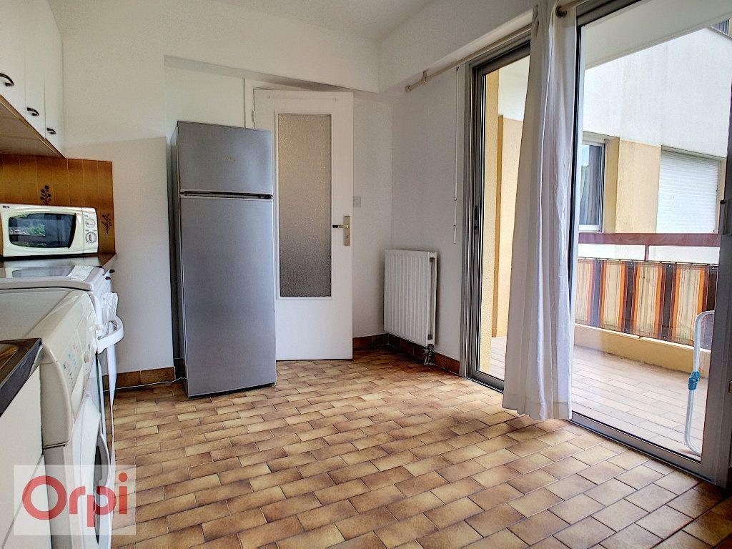 Appartement à louer 1 36.93m2 à Vallauris vignette-4