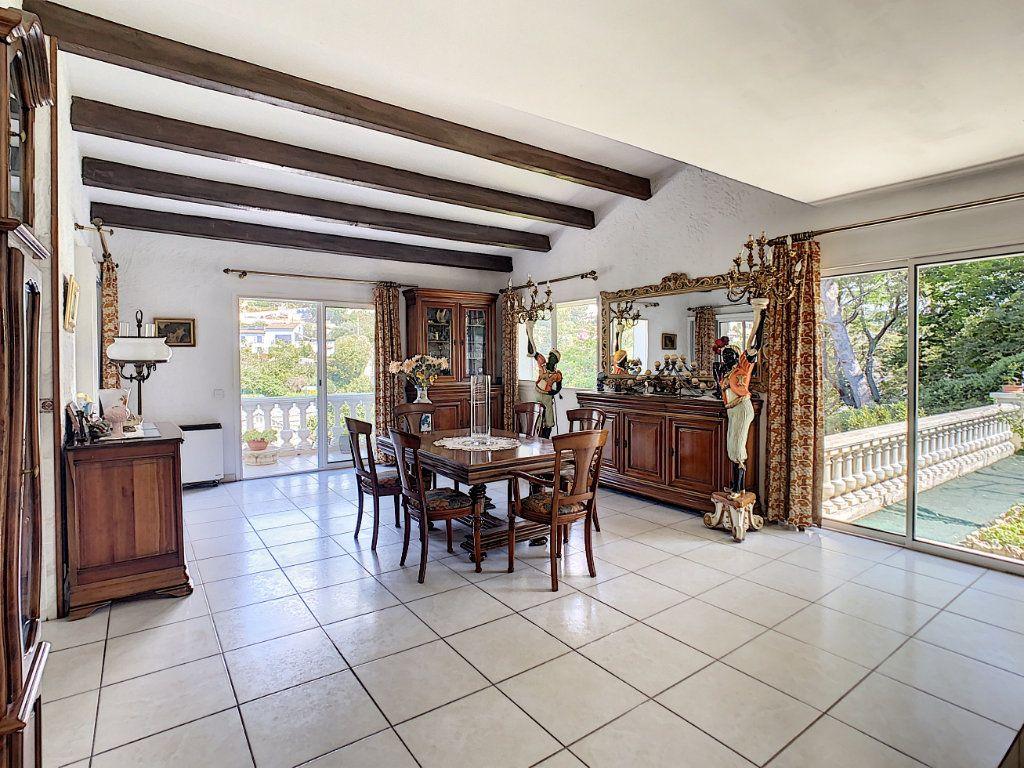 Maison à vendre 8 226m2 à Vallauris vignette-1
