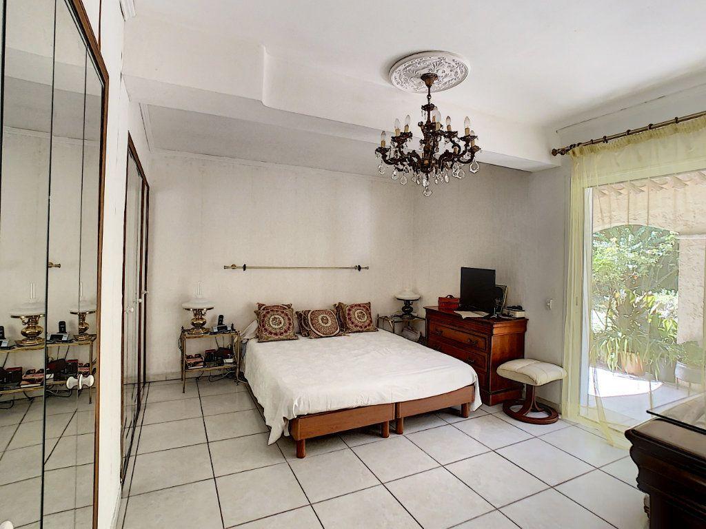 Maison à vendre 8 226m2 à Vallauris vignette-7