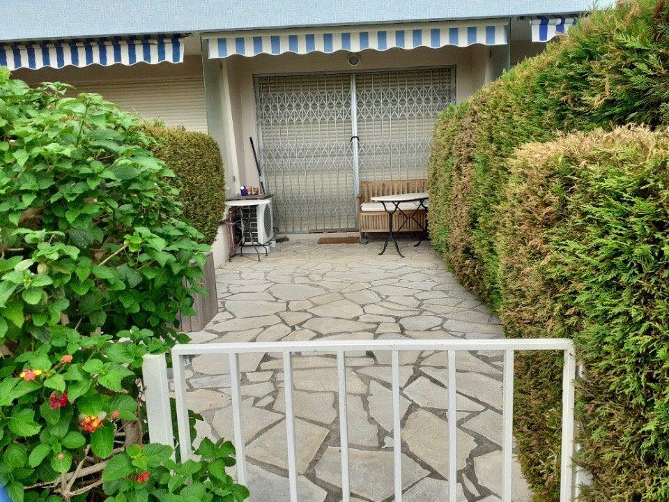 Appartement à vendre 1 33m2 à Golfe Juan - Vallauris vignette-2