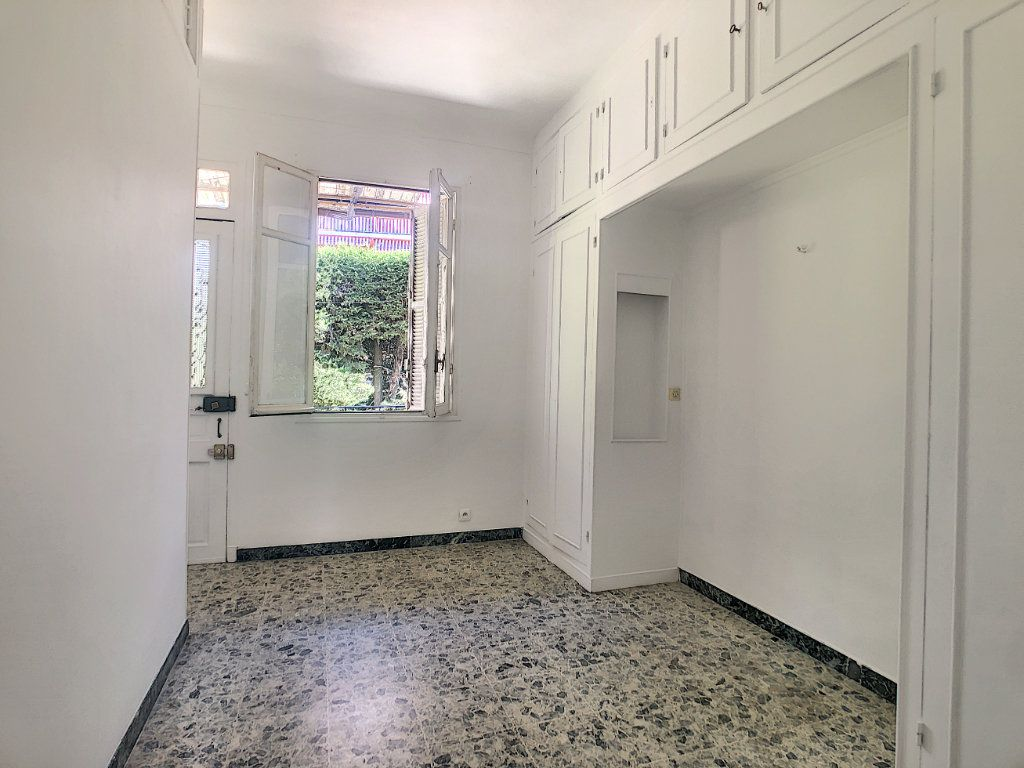 Appartement à louer 2 33.75m2 à Nice vignette-3