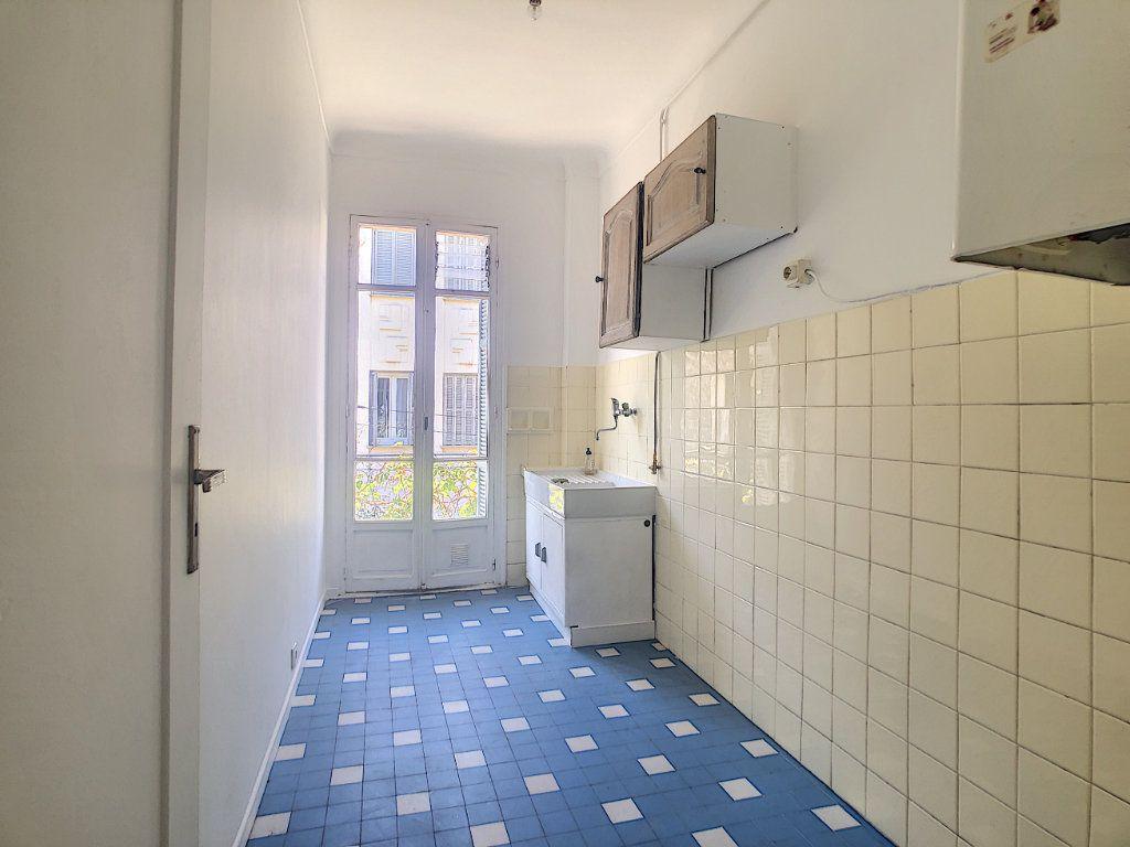 Appartement à louer 2 33.75m2 à Nice vignette-6