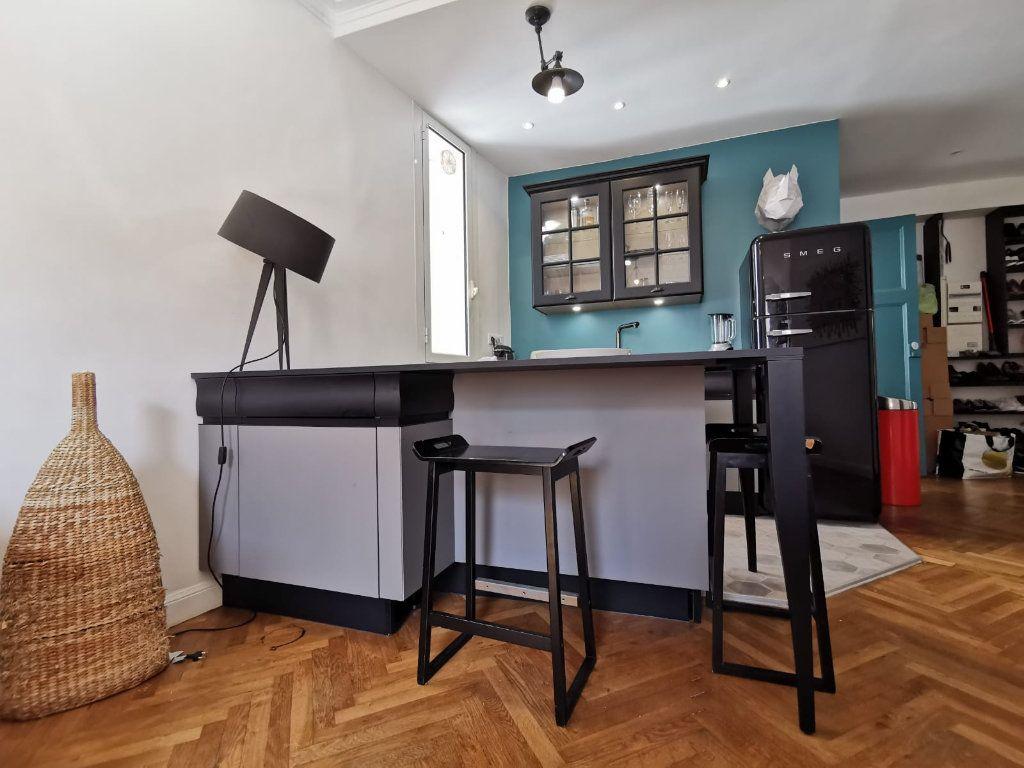 Appartement à louer 2 40m2 à Juan-les-Pins - Antibes vignette-3