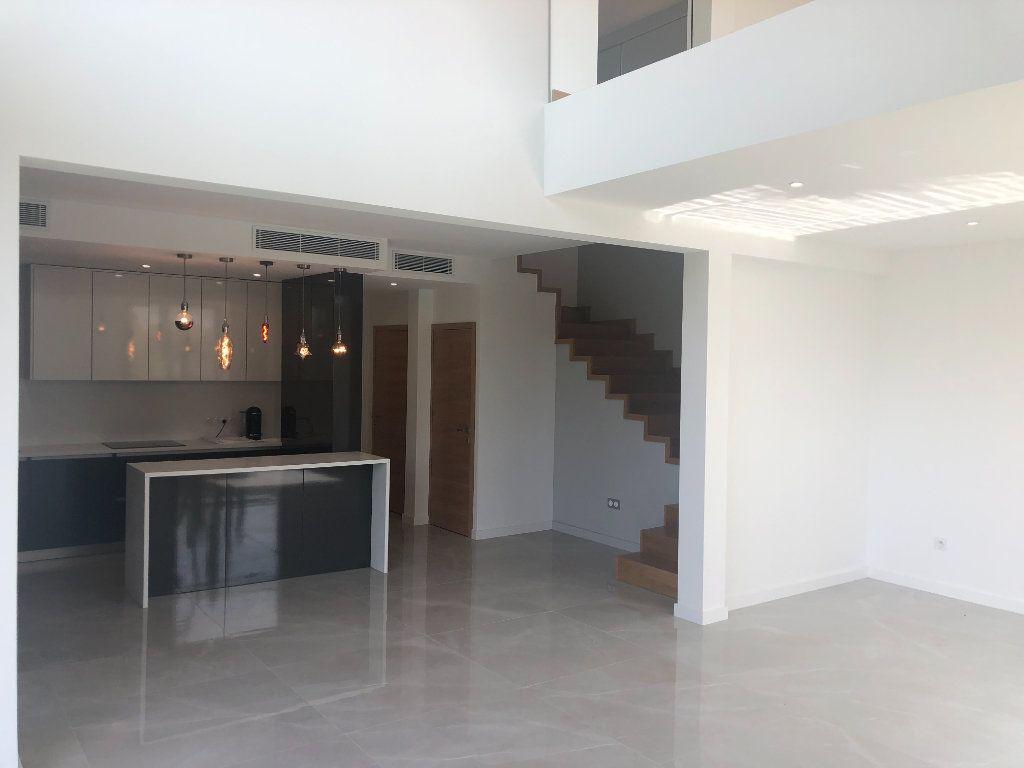Maison à vendre 5 140m2 à Antibes vignette-2