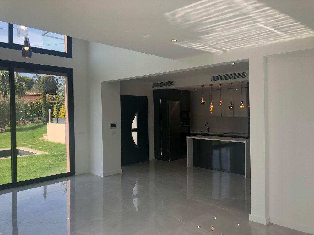 Maison à vendre 5 140m2 à Antibes vignette-4