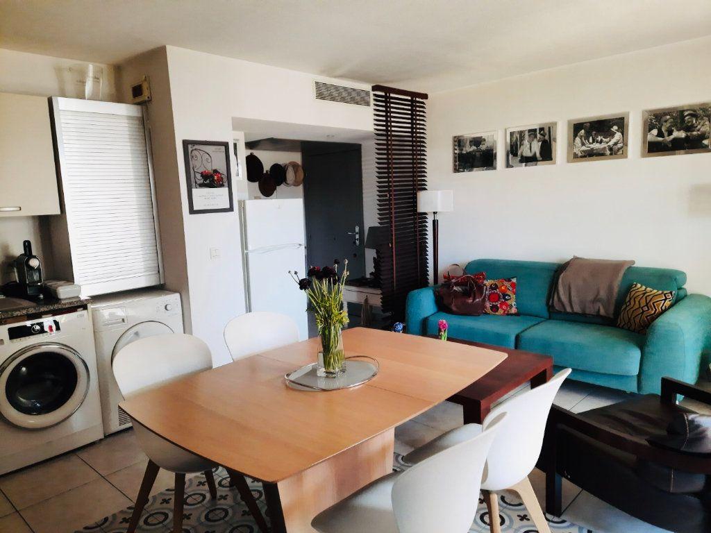 Appartement à vendre 3 52m2 à Antibes vignette-2