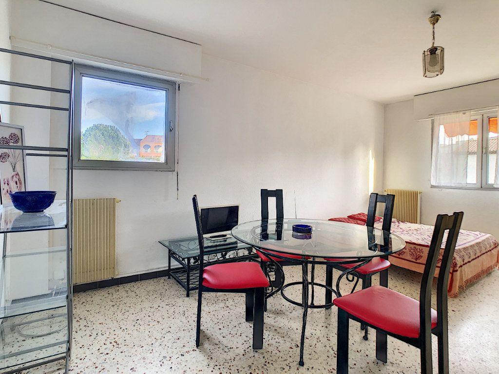 Appartement à louer 1 36.21m2 à Antibes vignette-2