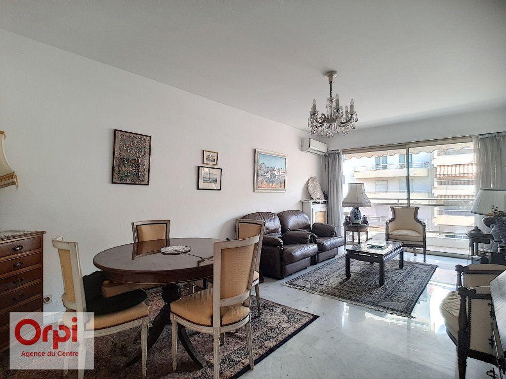 Appartement à vendre 3 78m2 à Juan-les-Pins - Antibes vignette-1