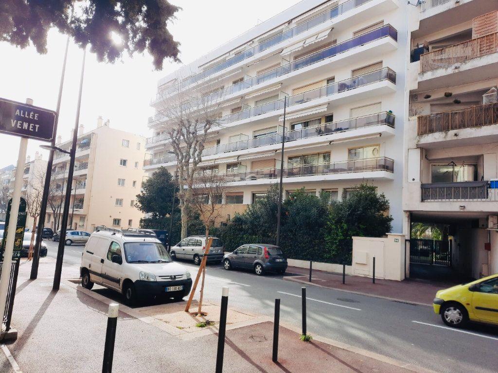 Appartement à vendre 3 78m2 à Juan-les-Pins - Antibes vignette-2