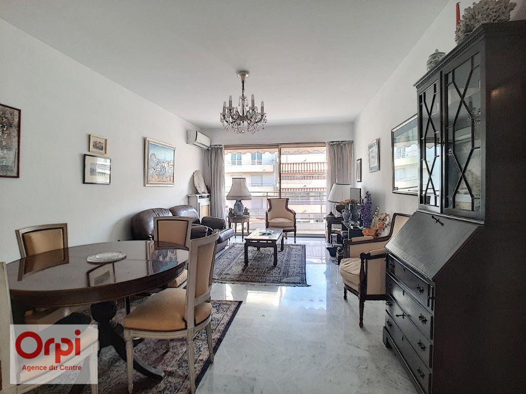 Appartement à vendre 3 78m2 à Juan-les-Pins - Antibes vignette-5