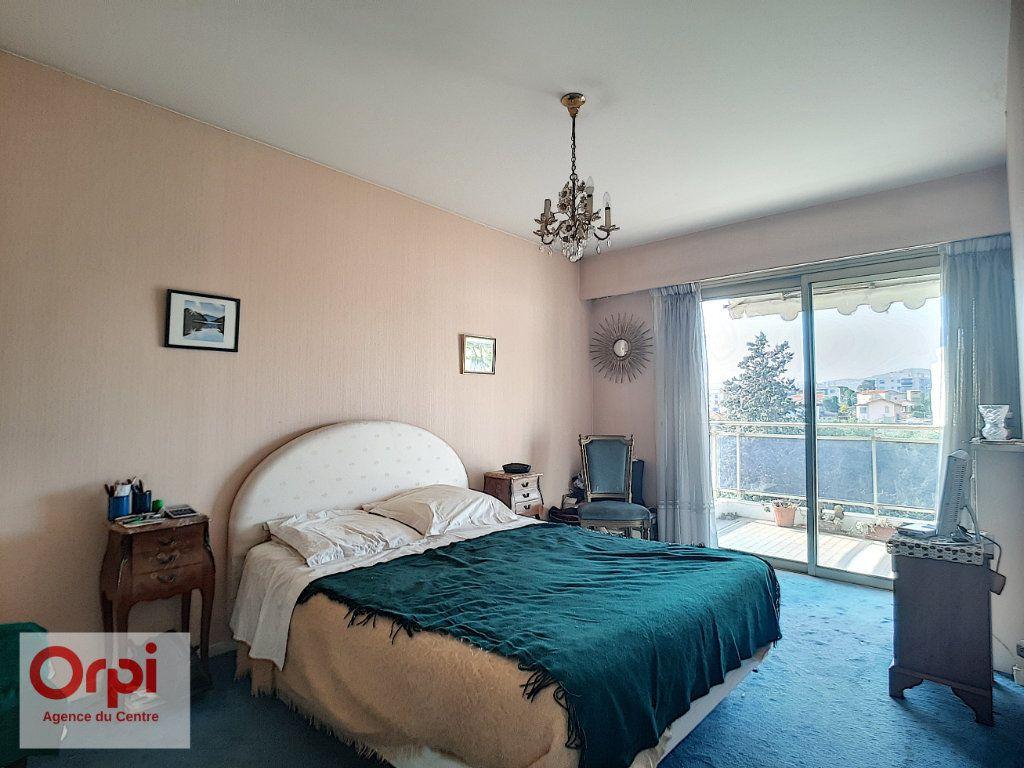 Appartement à vendre 3 78m2 à Juan-les-Pins - Antibes vignette-10