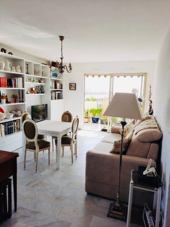 Appartement à vendre 4 75.8m2 à Golfe Juan - Vallauris vignette-2
