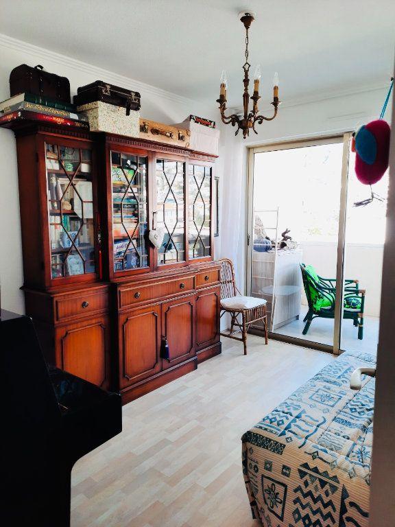 Appartement à vendre 4 75.8m2 à Golfe Juan - Vallauris vignette-6