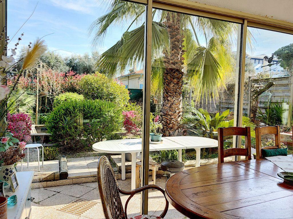 Appartement à vendre 3 90m2 à Golfe Juan - Vallauris vignette-1
