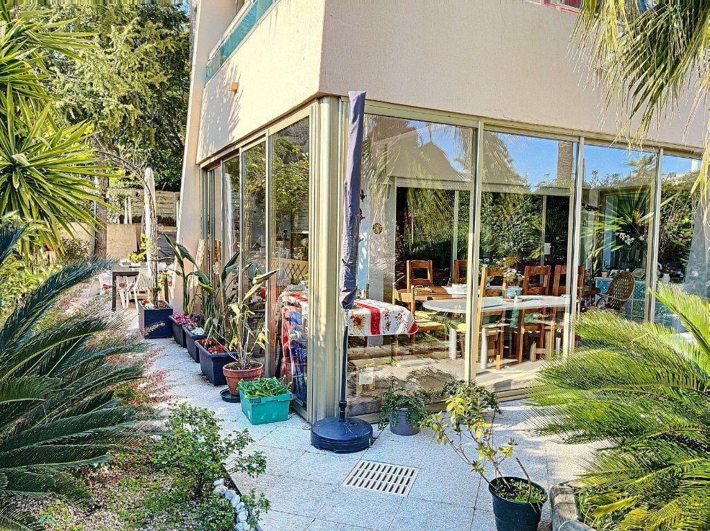 Appartement à vendre 3 90m2 à Golfe Juan - Vallauris vignette-4