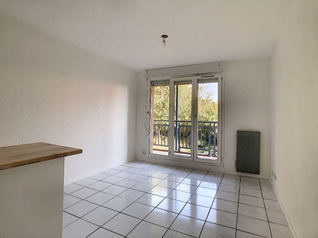 Appartement à louer 2 28.81m2 à Golfe Juan - Vallauris vignette-2