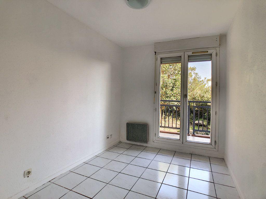 Appartement à louer 2 28.81m2 à Golfe Juan - Vallauris vignette-4