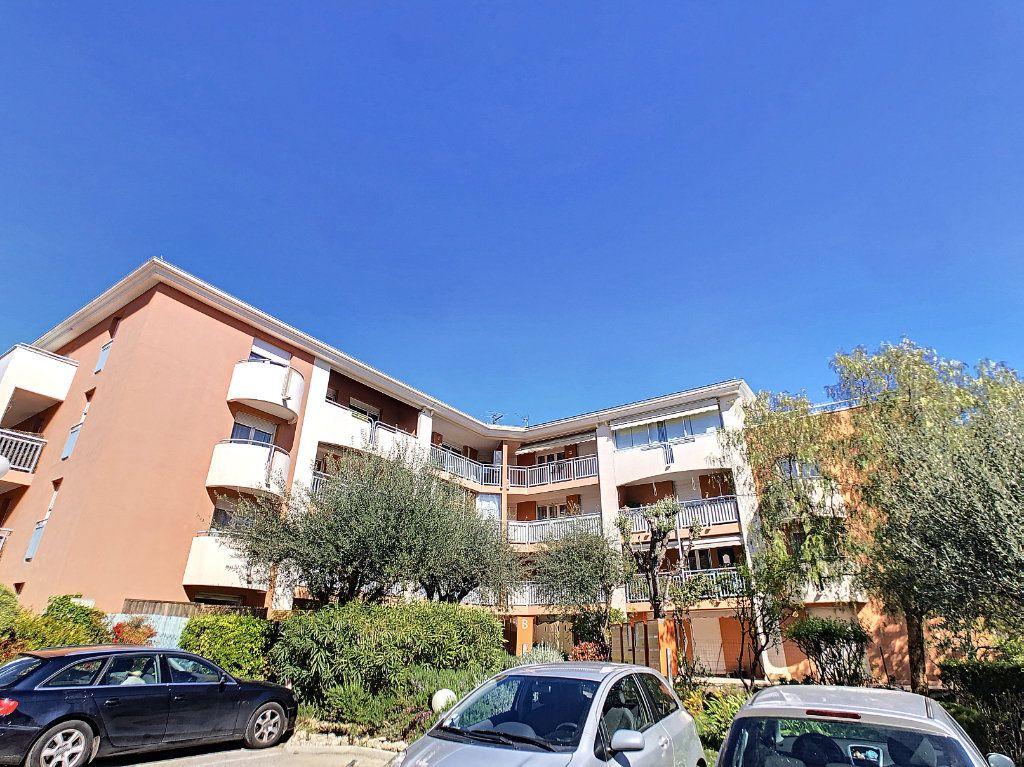Appartement à louer 2 28.81m2 à Golfe Juan - Vallauris vignette-7
