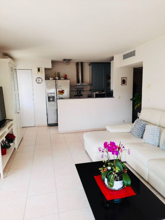 Appartement à vendre 3 53m2 à Golfe Juan - Vallauris vignette-3