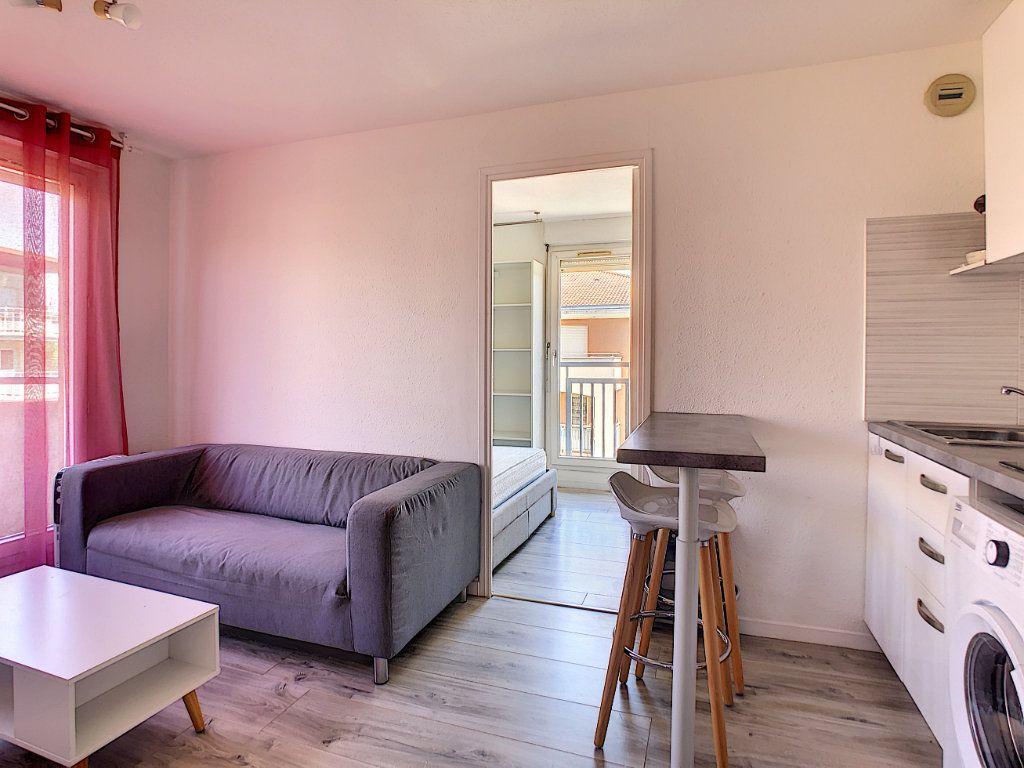 Appartement à louer 2 25.55m2 à Golfe Juan - Vallauris vignette-2